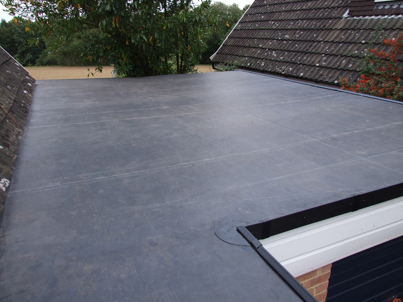 Rubberall-central-roof - Plytech